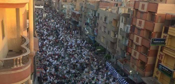 آلاف المصلين بصلاة عيد الأضحى بشربين (صور)