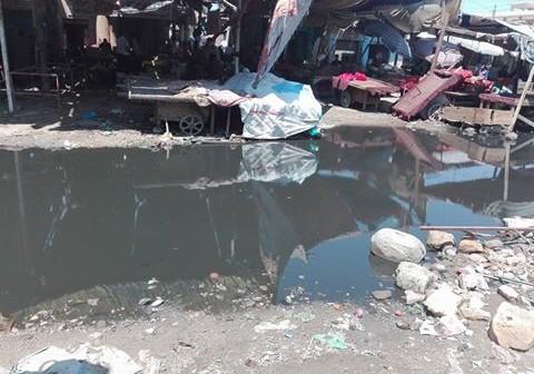 غرق سوق الجمعة بالإسماعيلية في مياه الصرف