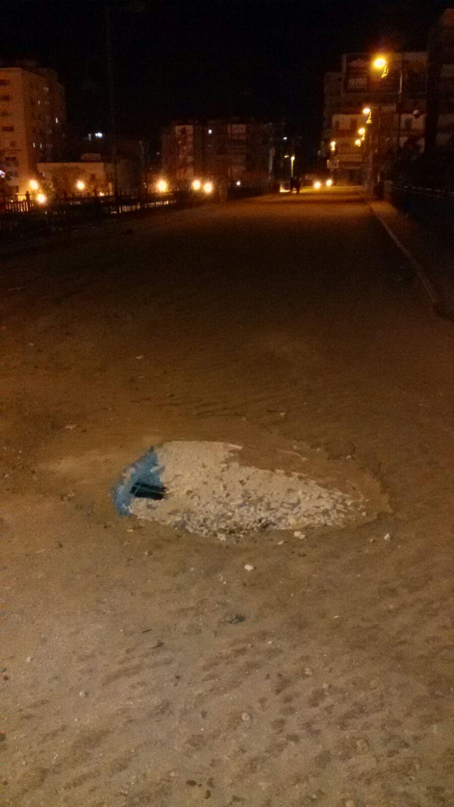 غلق كوبري بالمنيا أمام السيارات دون إصلاحه منذ إصابته بهبوط أرضي