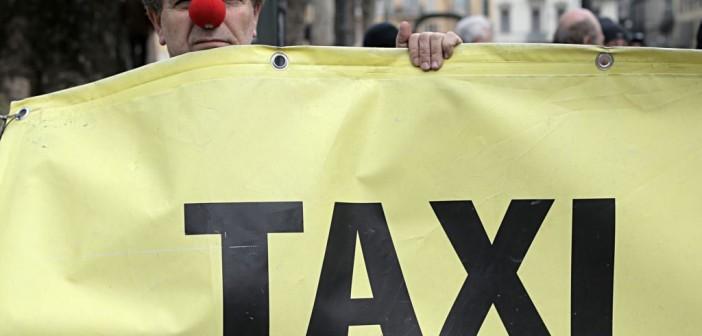 سائقو تاكسي يرفضون عمل «الملاكي» كأجرة مع «التطبيقات الذكية»