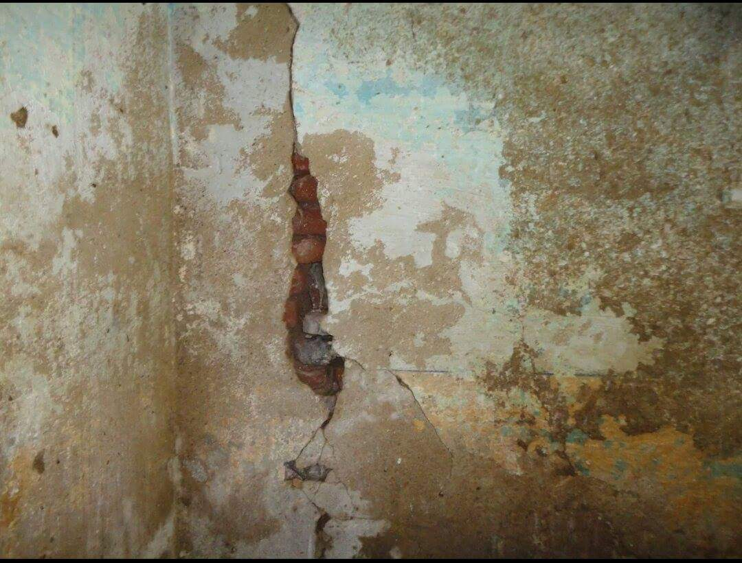 مدرسة آيلة للسقوط في دمنهور تهدد حياة الطلاب