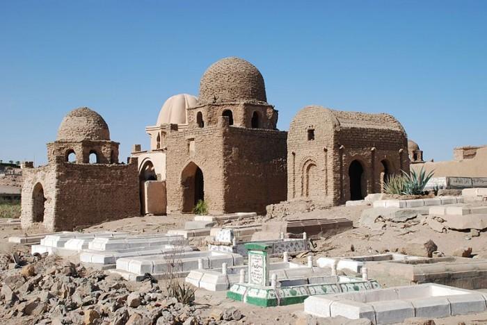 800px-Aswan,fatimid_cem
