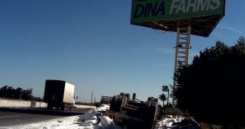 مصيدة حوادث للسيارات بالكيلو 80 عَ الصحراوي نتيجة بطء الرصف