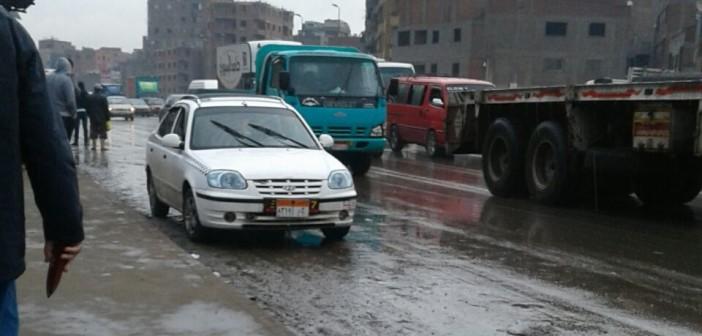 📷| بالصور.. سقوط أمطار عَ الدائري.. وارتباك مروري