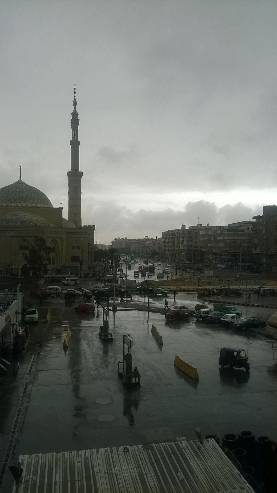 أمطار غزيرة في «6 أكتوبر».. وموجة البرد تنكسر الجمعة وتعود الاثنين