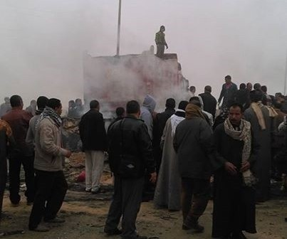 مصرع 12 وإصابة 22 في تصادم عَ الصحراوي الشرقي.. وتوقف المرور (صور)