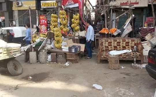 📷| «كنبة وشيشة لزوم المزاج».. إشغالات تسيطر على شارع 15 مايو بشبرا