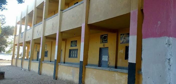 مطالب باستكمال بناء سور مدرسة منشأة أبيدوس بسوهاج