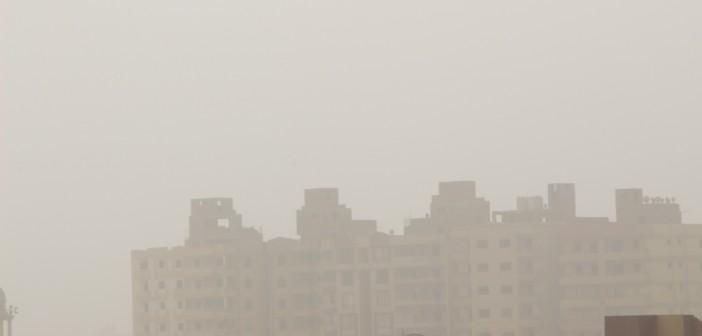 بالصور.. القاهرة بـ«تكح تراب».. طقس بارد مصحوب بالأتربة وارتباك مروري
