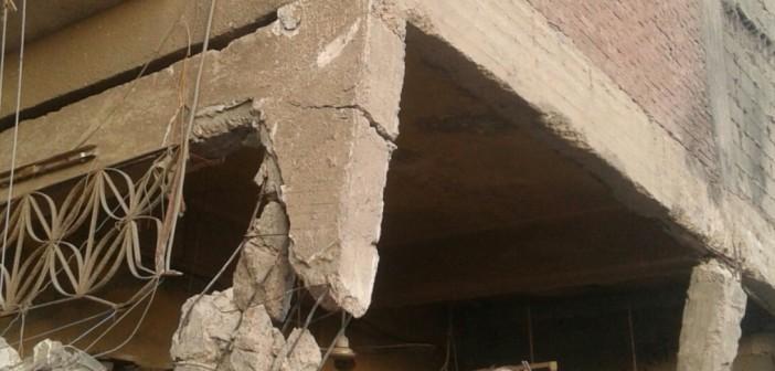 تصدع عقار بمنطقة «العماروة» بالإسكندرية بسبب هدم عقار مجاور (صور)