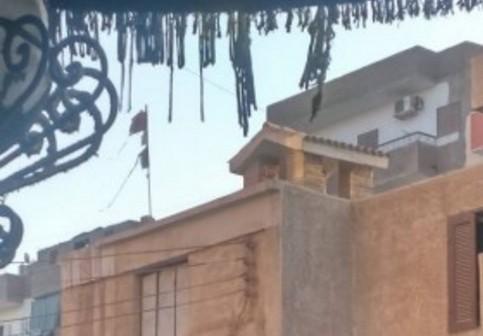 📷| إهانة علم مصر على مبنى مرور طهطا