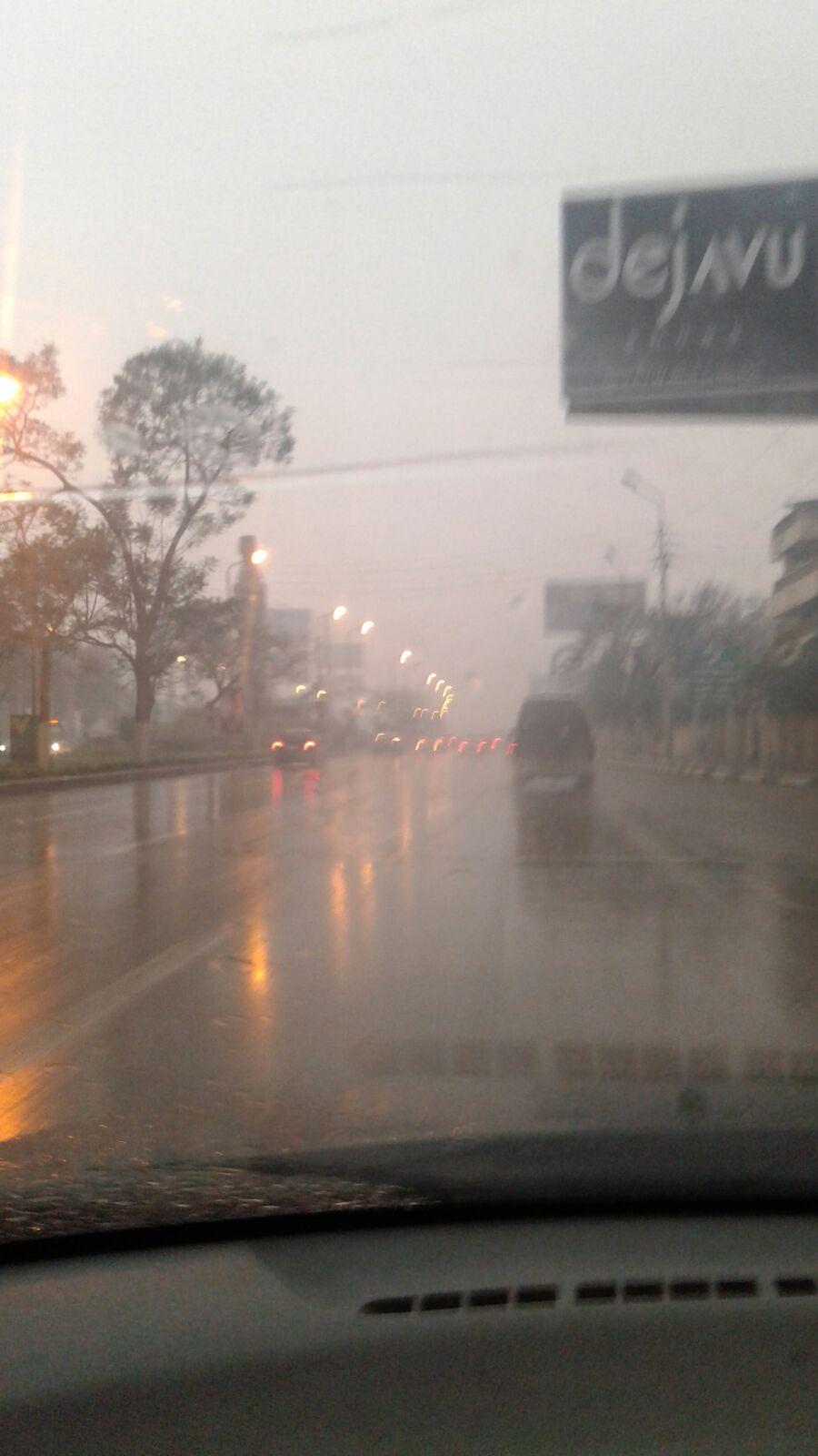 أمطار غزيرة في شارع صلاح سالم
