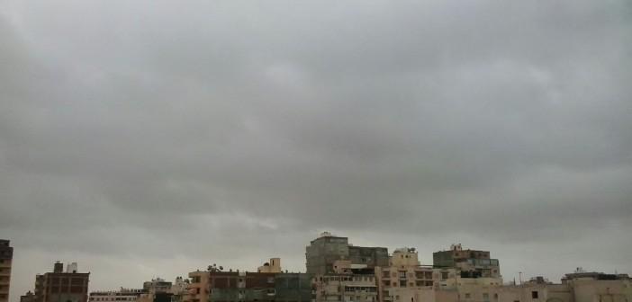 بالصور والفيديو.. غيوم وبرق في أجواء الإسكندرية قبل أيام من «الفيضة الكبرى»