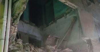 عقار يهدد حياة المارة في أحد شوارع الإسكندرية