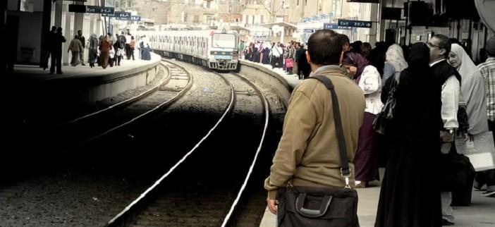 🚇 بالفيديو.. قطار مترو يتحرك وأبوابه مفتوحة على خط المرج ـ حلوان