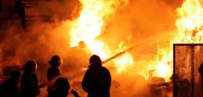 مواطن يروي شهادته عن ليلة حريق محطة كهرباء أبو قير بالإسكندرية
