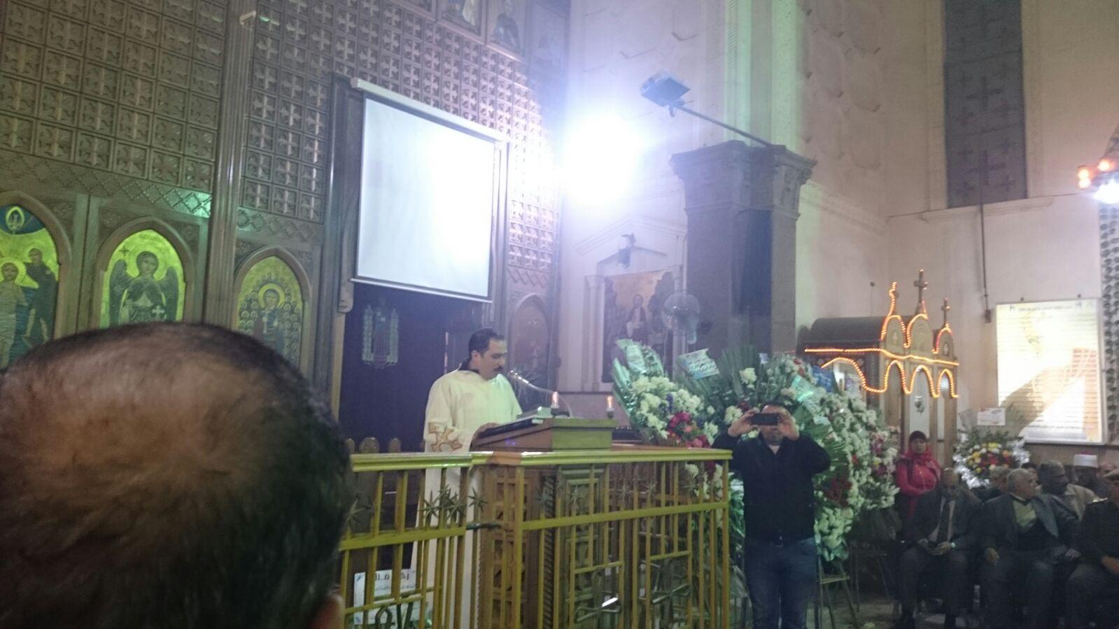 بالصور.. احتفالات أعياد الميلاد في كنيسة مريم العذراء بدمياط بحضور المحافظ