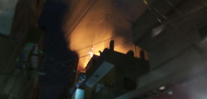 📷| بالصور.. اندلاع حريق بعد انفجار أنبوبة في منزل ببني سويف