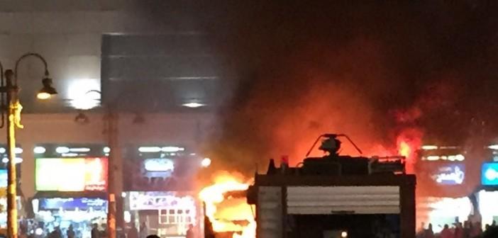 📷| تفحم أتوبيس في حريق هائل أمام محطة سيدي جابر بالإسكندرية (صور)