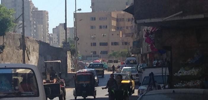 القمامة تحاصر حي المنتزه بالإسكندرية.. والأهالي: «باب النجار مخلع»