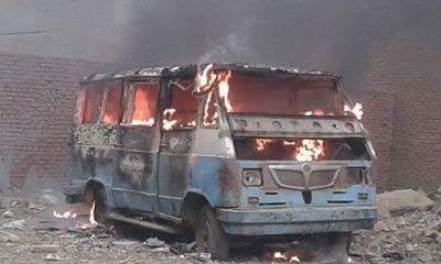 📷| اشتعال النيران في ميكروباص بشبرا الخيمة