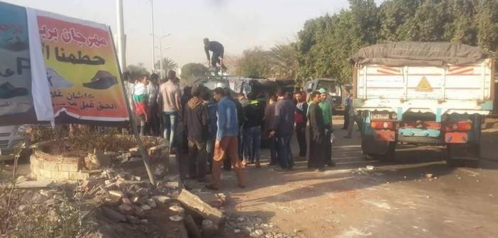 📷| بالصور.. إصابة 13 مجند أمن مركزي بعد انقلاب سيارتهم بالحوامدية
