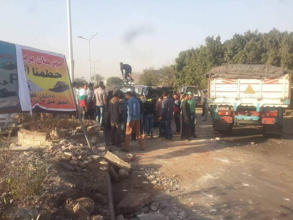 إصابة 13 مجند أمن مركزي في انقلاب سيارتهم: كانوا عائدين من جنازة عسكرية