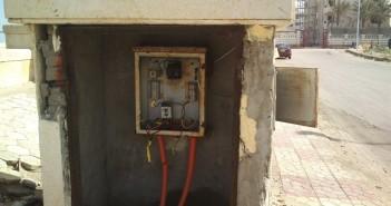 «بوكس كهرباء» يهدد حياة سكان شارع العشرين بفيصل.. والشركة تتجاهلهم
