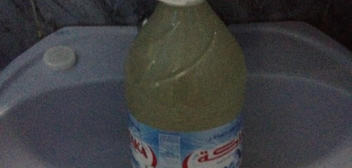 بالصورة.. تغيّر لون مياه الشرب في العمرانية بالجيزة
