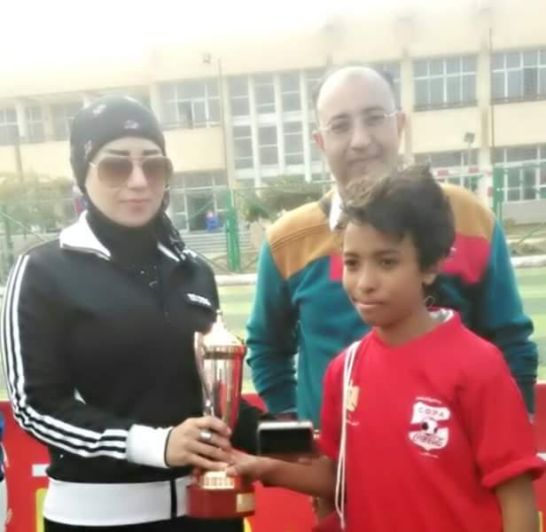 بالصور.. مركز شباب الشيخ زايد يحرز بطولة الجيزة لكرة القدم