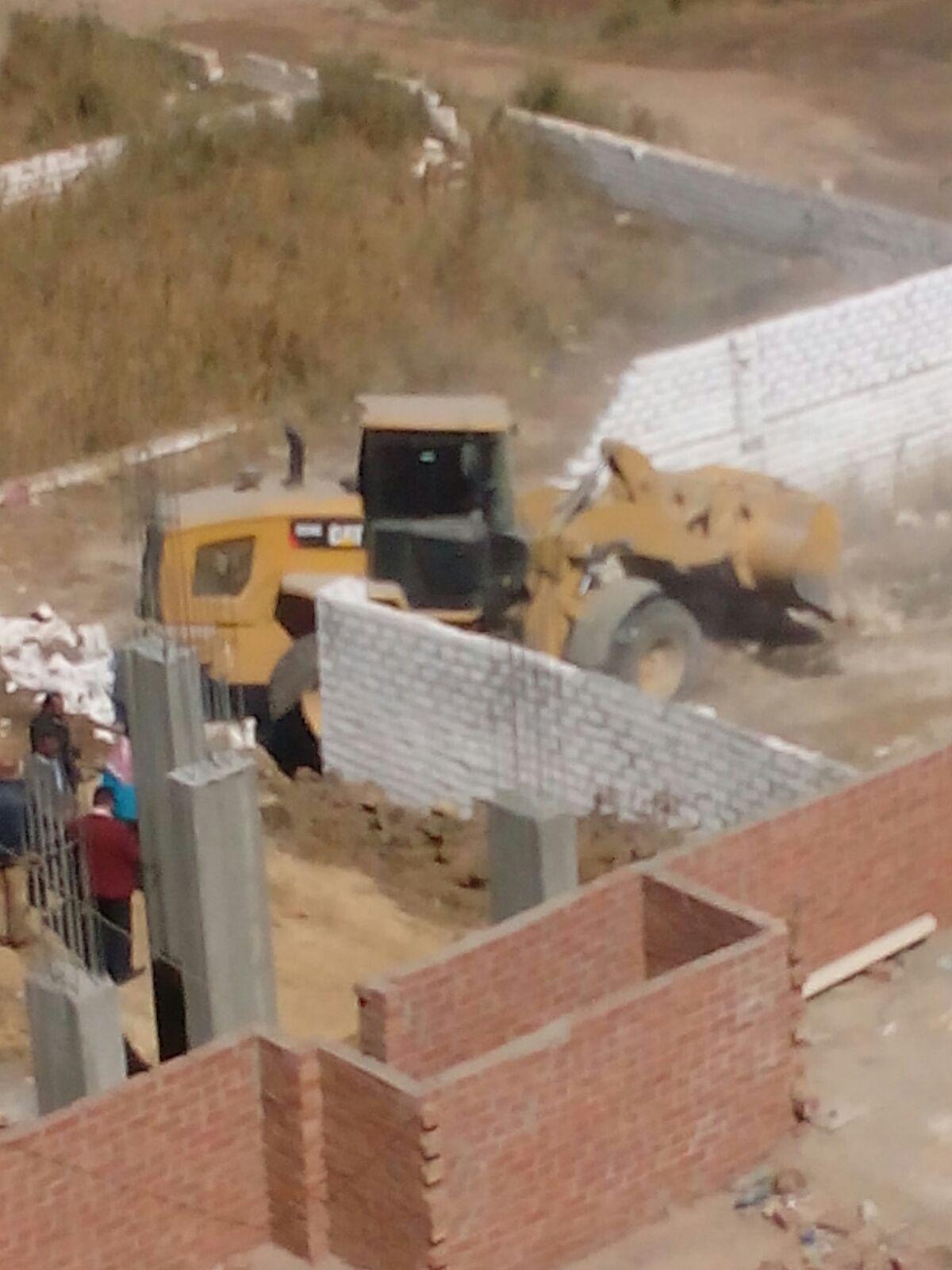 إزالة التعديات على الأراضي الزراعية في بني سويف