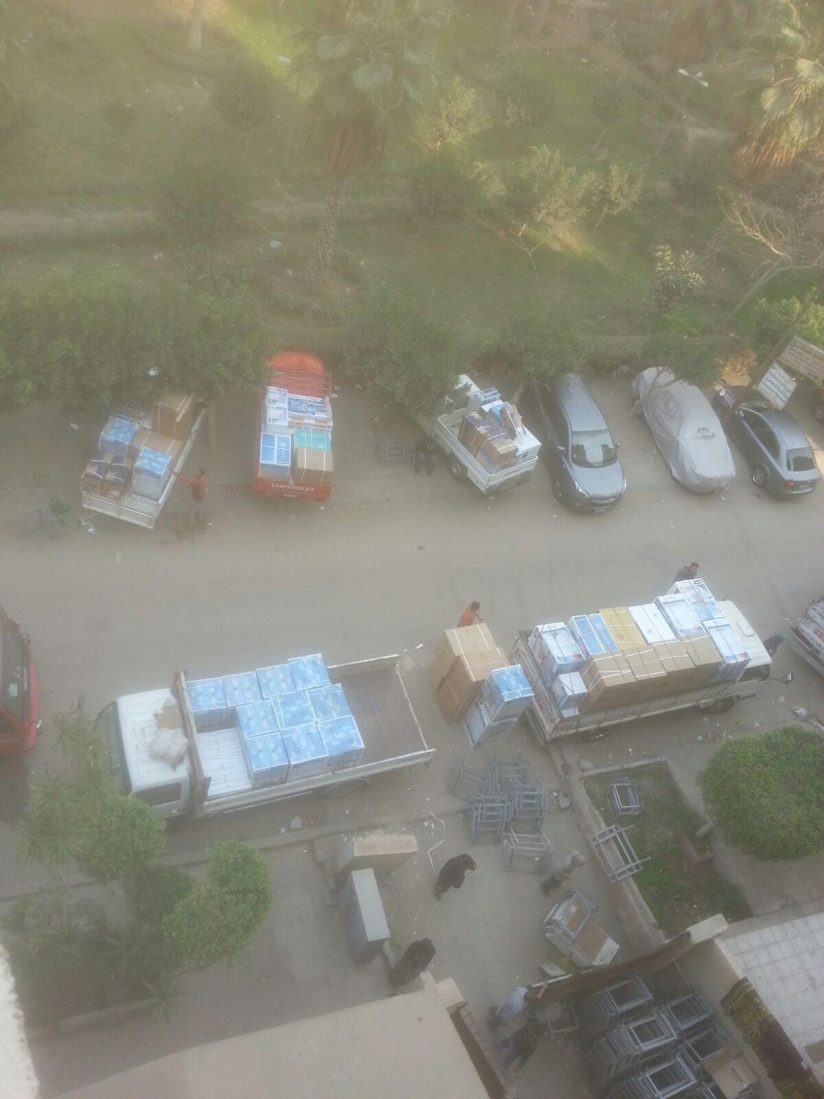 سكان عقار بمدينة نصر يشكون تحول جراجه إلى مخزان أدوات كهربية