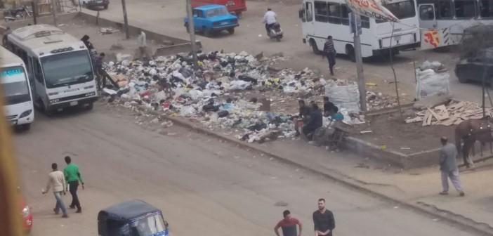 📷| «رئيس حي يمشي وآخر جديد».. وتبقى أزمة القمامة في شبرا (صور)