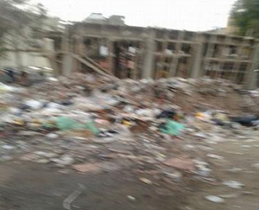 📷| تجمعات للقمامة أمام موقف أتوبيسات إمبابة