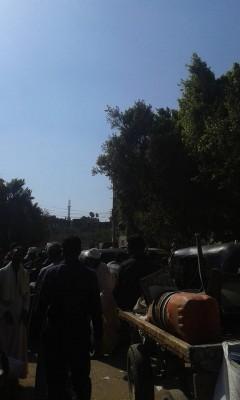 تقاعس المسؤولون.. زحام مروري دائم على الطريق بين مدينة قوص وقرى في قنا