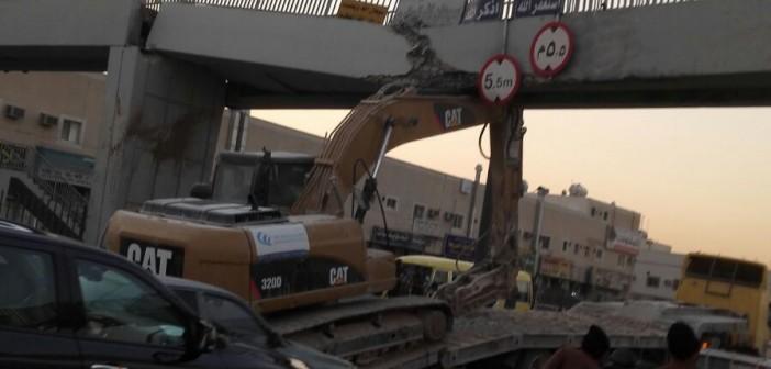 📷| سقوط جسر مشاة بالسعودية