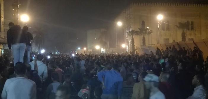 «ليلة حاتم».. لحظة حصار مديرية أمن القاهرة بعد قتل رقيب شرطة لسائق (صور)