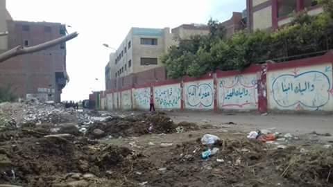 📷 القمامة تحاصر مدارس التعليم الابتدائي بالكونيسة في الجيزة