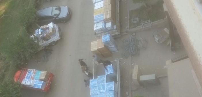 📷| سكان عقار بمدينة نصر يشكون تحول جراجه لمخزن أدوات كهربية
