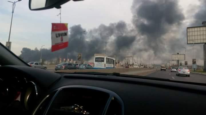 بالصور.. اندلاع حريق في مصنع للبطاريات عَ القاهرة ـ الإسكندرية الصحراوي