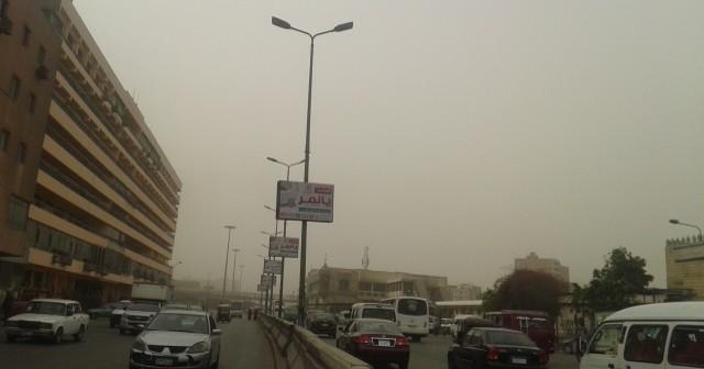 📷| بالصور.. عاصفة ترابية تغطي القليوبية.. وموجة أمطار غزيرة