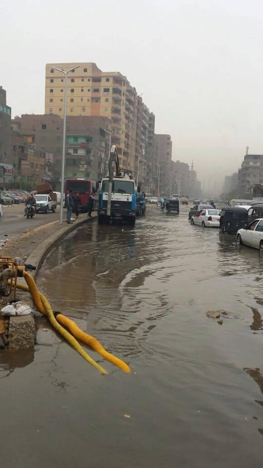 انفجار محبس عمومى يشُل المرور بشبرا.. وانقطاع المياه لـ 10 ساعات