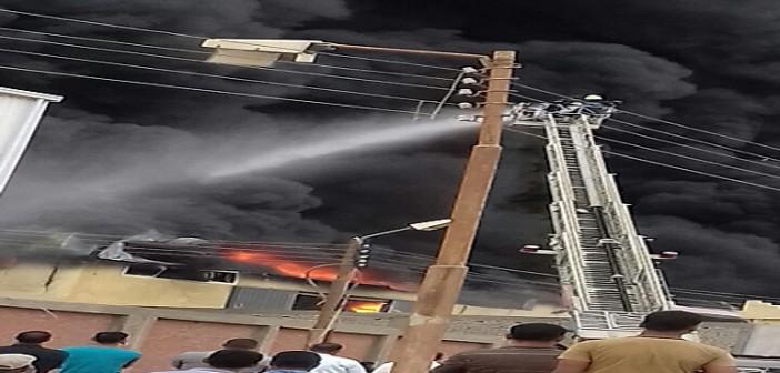 ▶| بالصور والفيديو.. حريق هائل بمصانع «الهلال والنجمة» في سوهاج