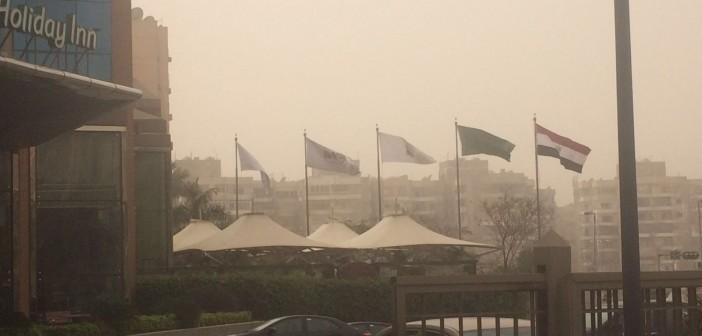 📷| بالصور.. عاصفة ترابية تغطي سماء القاهرة