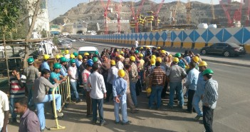 عمالة مصرية في «بن لادن» السعودية: لم نأخذ رواتبنا منذ 4 شهور.. و«هنموت من الجوع»