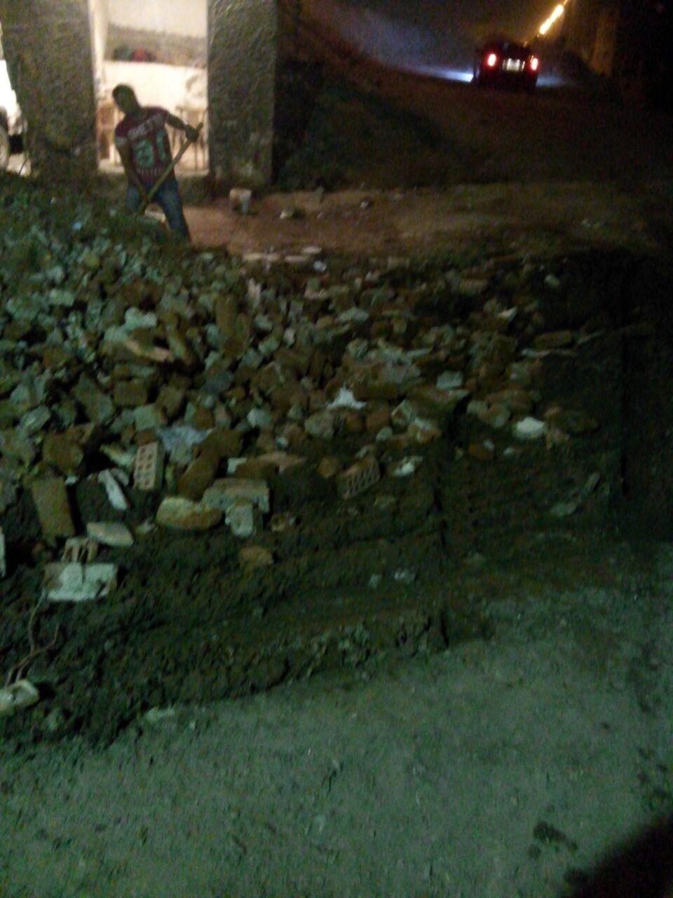أعمال حفر تكسر مواسير المياه والصرف بأحد شوارع فيصل
