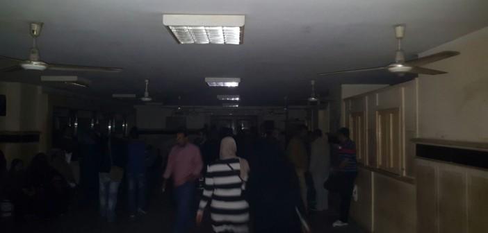 بالصور.. انقطاع الكهرباء عن مكتب الشهر العقاري بمحكمة جنوب القاهرة