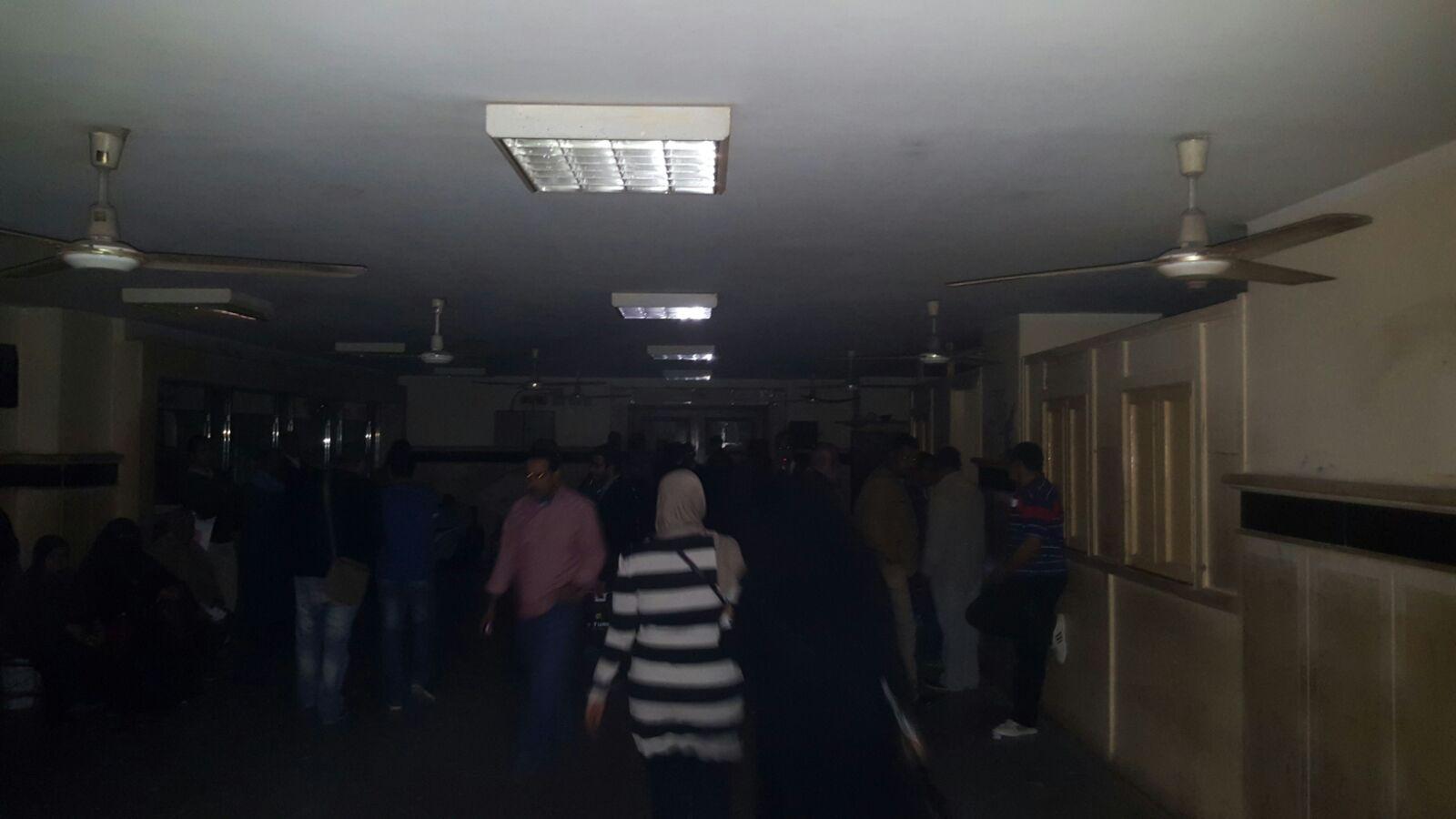 انقطاع الكهرباء في مكتب الشهر العقاري بمحكمة جنوب القاهرة
