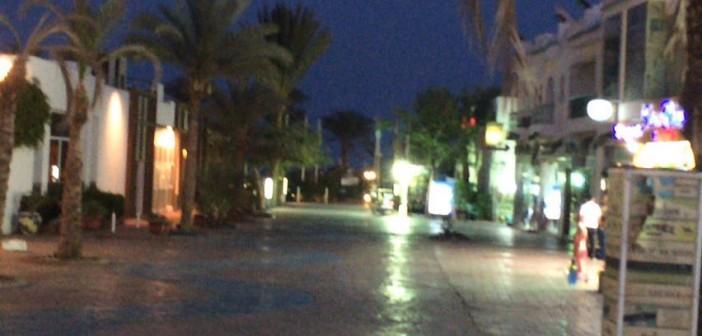 بالصور.. شرم الشيخ.. شوارع خالية ومُظلمة و«أيد عَ الخد مستنية الفرج»