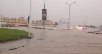 سقوط أمطار رعدية غزيرة على سلطنة عُمان